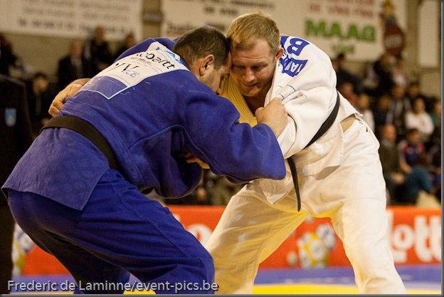 Visé - January 31 : Nedy GIRARD (blue) from France compete with Elco VAN DER GEEST from Belgium in the final round match of Men's -100 Kg during the Judo Open International 2010 in Visé, Belgium. VAN DER GEEST won the match.