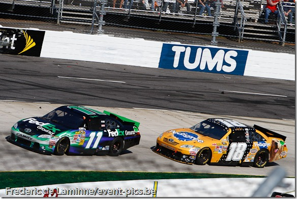 Kyle Busch (18) is chasing Denny Hamlin (11) Goody's Fast Relief 500 at Martinsville