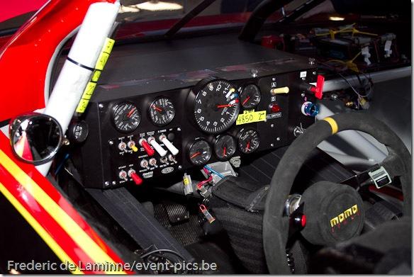 Un vue du tableau de bord de la voiture de Landon Cassill