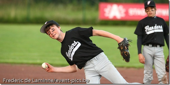 2011 Belgian Little League Championships: Flanders West - Flanders East (red)