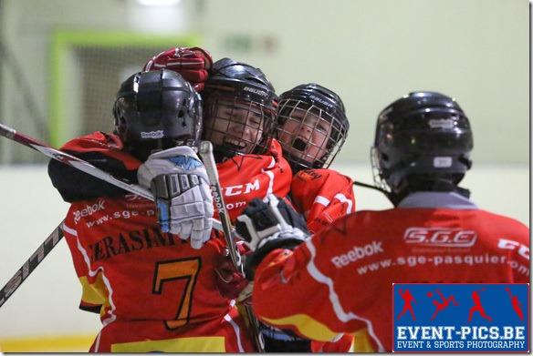 20121229 - Montignies Sur Sambre. Hockey sur Glace, Championnat de Belgique U16 : CHARLEROI RED ROOSTERS - HERENTALS HYC