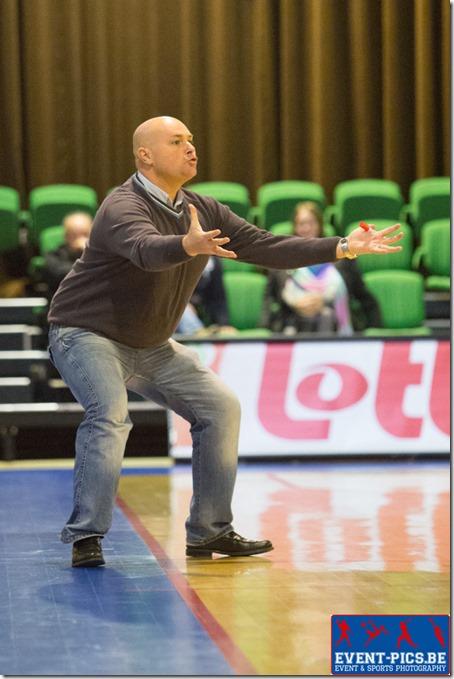 Basket Dames, 1ère division. Match entre Belfius Namur Capitale et Spirou Monceau Féminin. Julian Martinez  ALMAN (c) coach du Belfius Namur Capitale. Crédit photo Frédéric de Laminne.